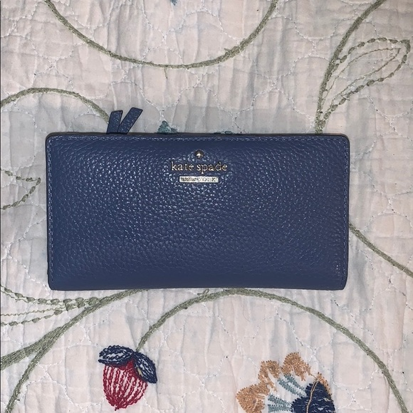 kate spade Handbags - Gently used Kate Spade Wallet